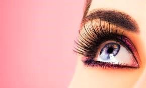 nova-lash-with-pinkish-background